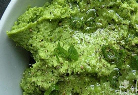 Пюре из зелёного горошка и мяты