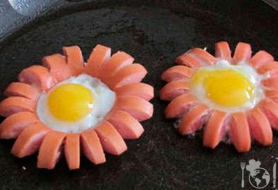 Что можно приготовить из яиц и сосисок