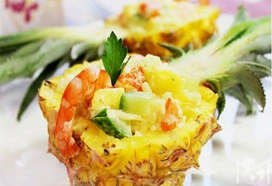 Ананасовый салат с креветками