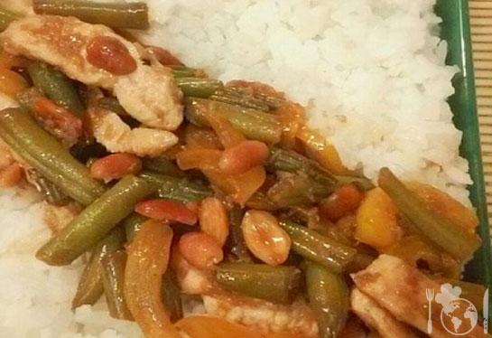 Стир-фрай из курицы со стручковой фасолью