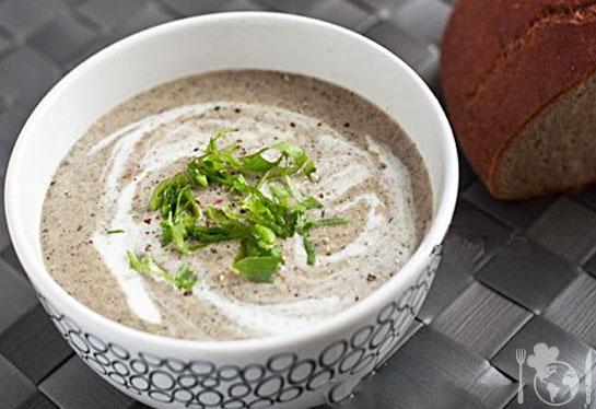 Грибной крем-суп с зеленью