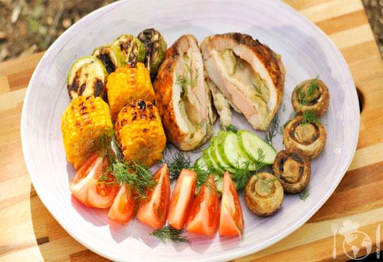 Бела вешалица с подпечёнными овощами