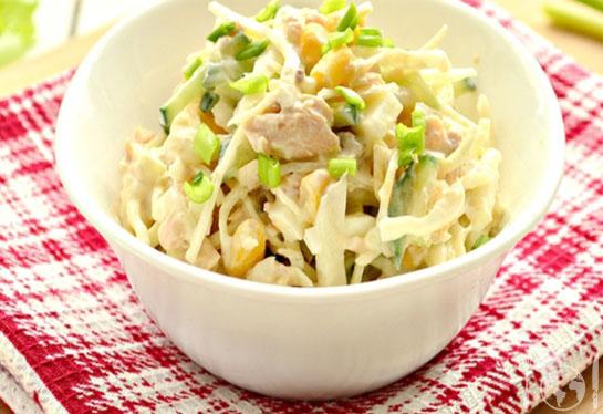 Капустный салат с горбушей