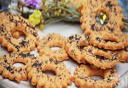 Рассыпчатое солёное печенье с паприкой и сыром